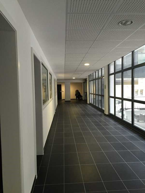 vente bureau strasbourg bas rhin 67 765 m r f rence n 142404. Black Bedroom Furniture Sets. Home Design Ideas