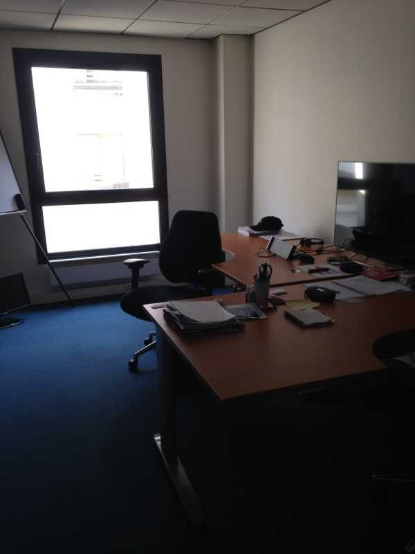 location bureau paris 19 me paris 75 107 m r f rence n 629980w. Black Bedroom Furniture Sets. Home Design Ideas