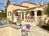 5pièces - 150 m² Au coeur d'un quartier très calme, à côté des commodités, venez découvrir cette Villa contemporaine ...