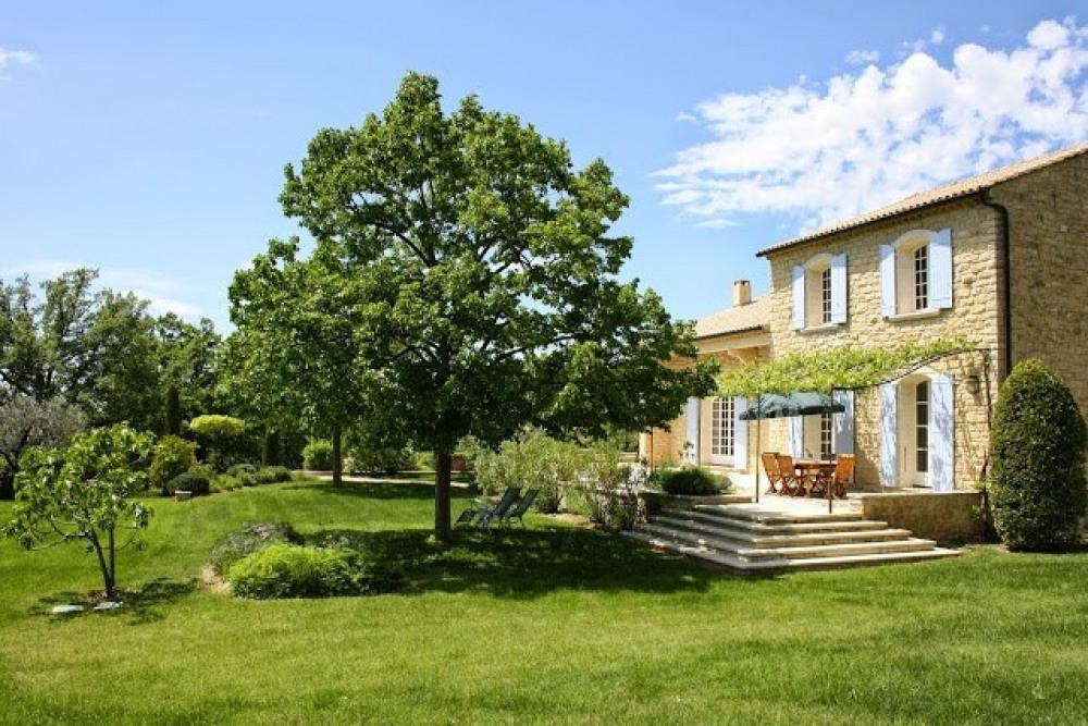 belle villa avec piscine et jardin arboré 7.500 m²