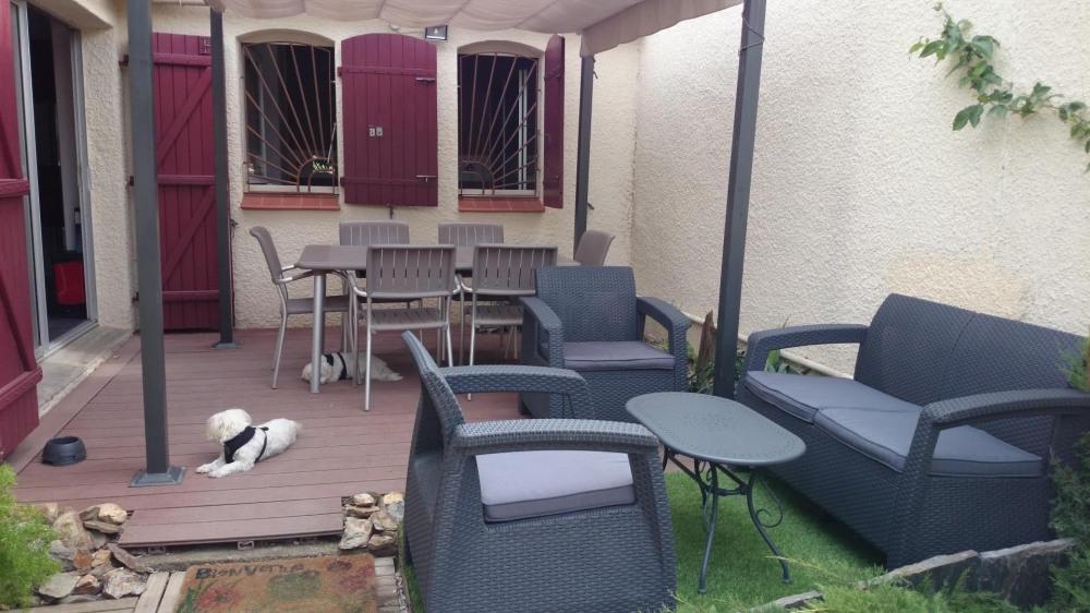 Charmante petite villa 4/6 personnes avec Clim et acces Wifi , proche de la mer et du port de st Cyp