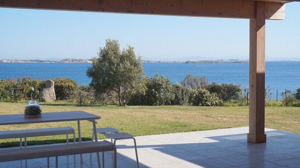 Accès direct à la plage ! Belle villa de plain-pied, seulement 200 mètres des charmantes plages d...