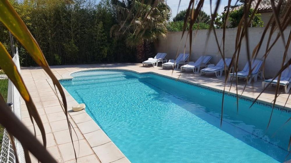 LA VILLA AUX MIMOSAS et sa piscine privée chauffée