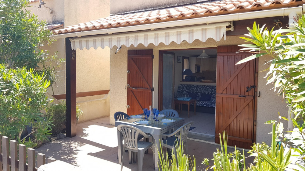 3-room Villa with pool : GRUISSAN LES AYGUADES
