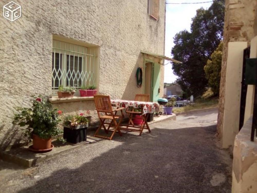 Loue maison de village ,au pays de la lavande,quartier calme,proche des commerces