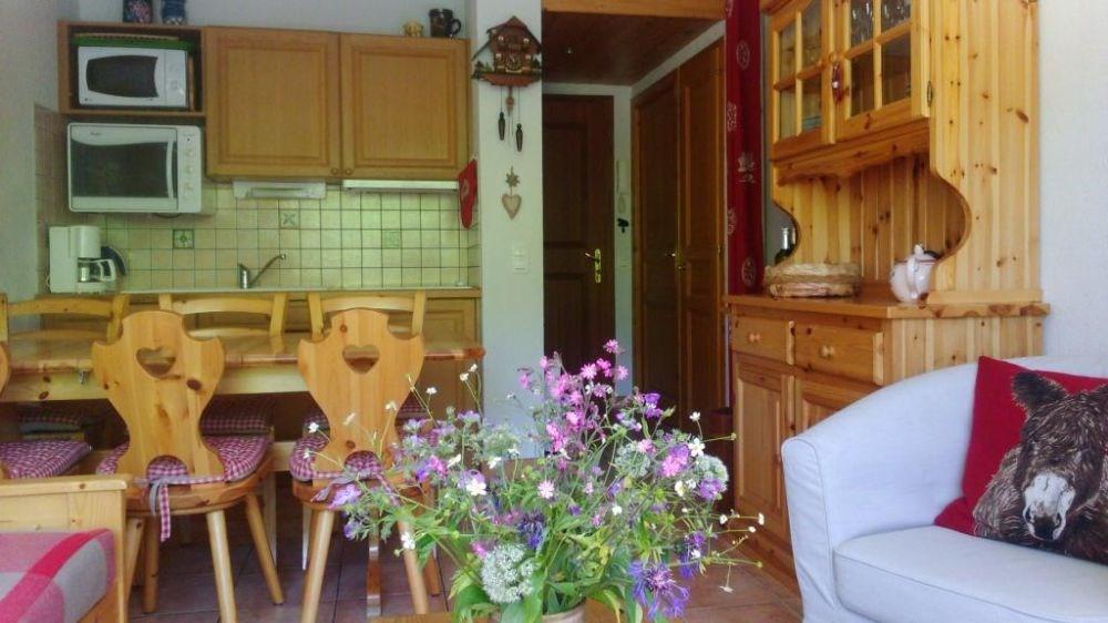 Appartement 2 pièces de 33 m² environ pour 6 personnes située au pied des pistes et à proximité du centre du village ...