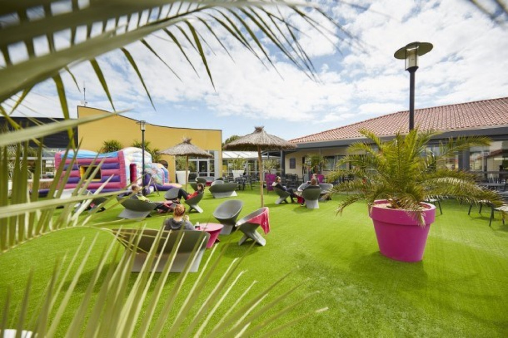 Camping Le Bel Air 5* - Mobil Home Grand Confort TV - 2 chambres -  4/6 personnes