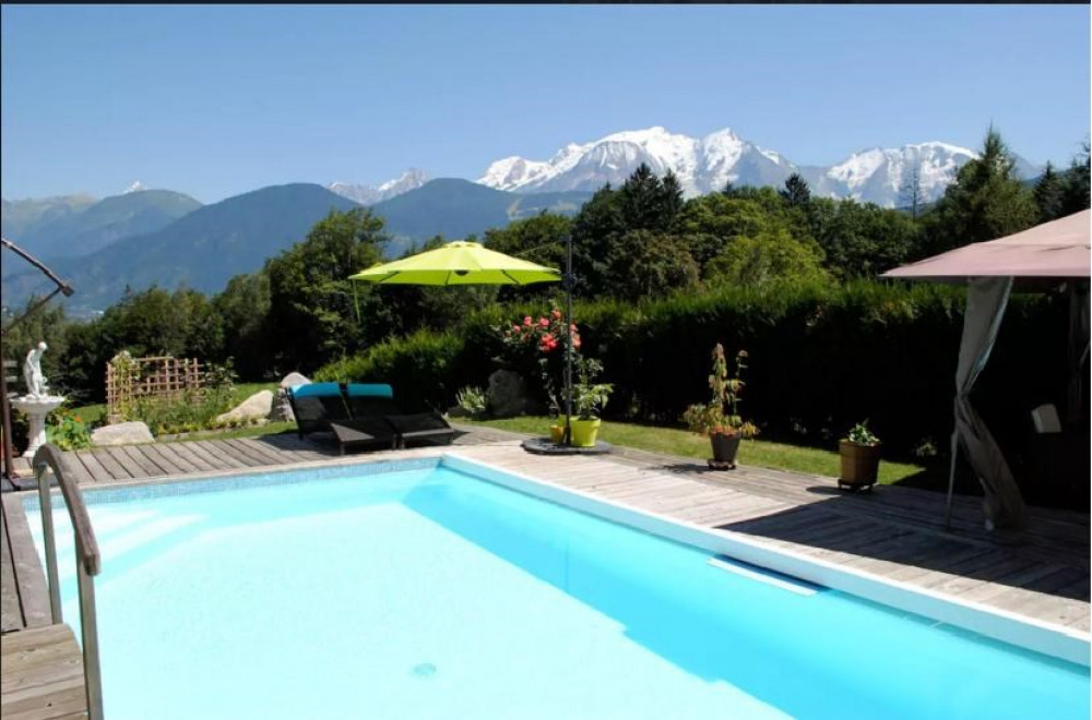 Studio avec piscine intérieur et extérieur