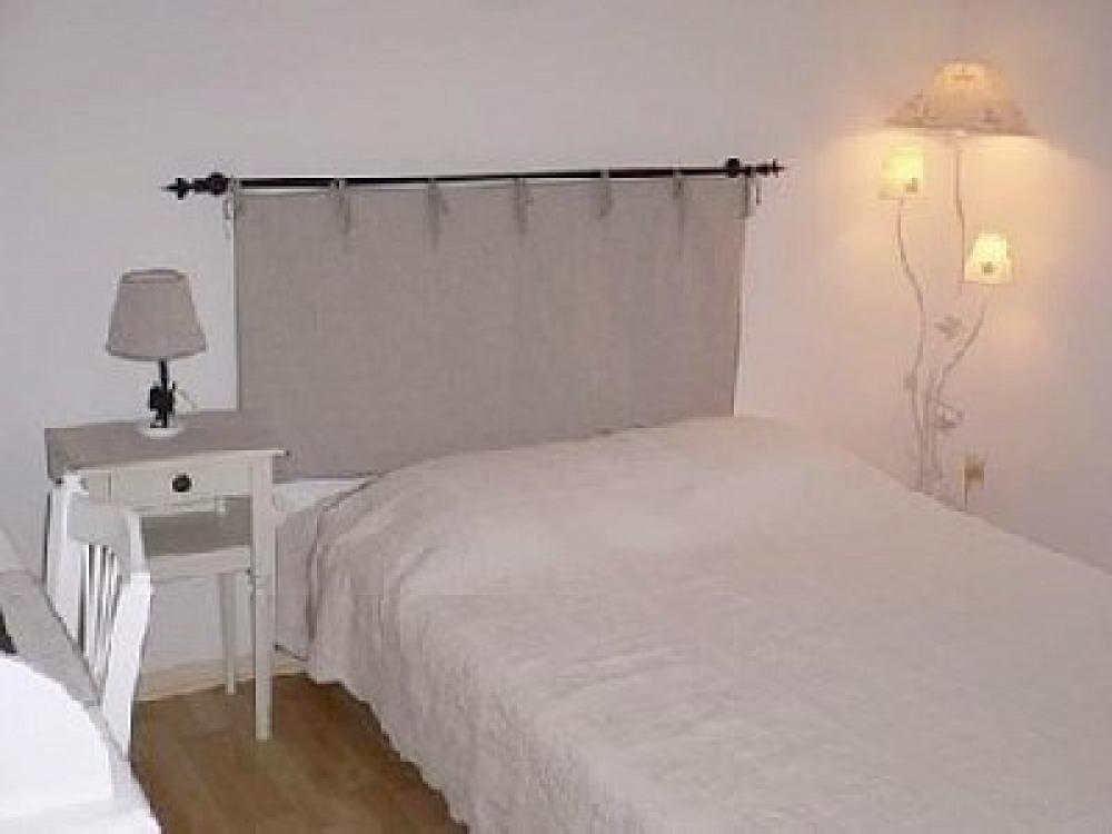 chambre lit 140x190 et bureau