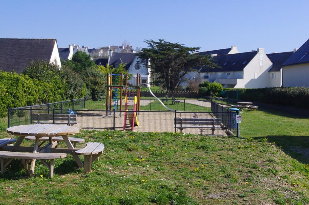 parc pour enfant à 2 pas