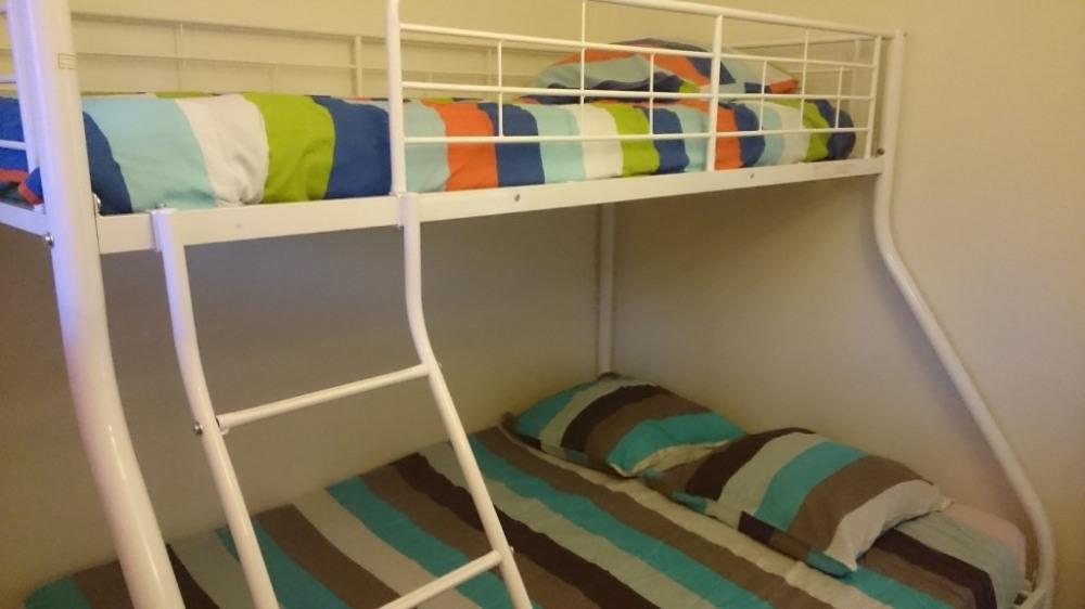 chambre 1. 2 lits en mezzanine (lit double en bas)