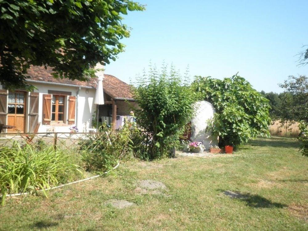 Gîtes de France - Maison indépendante (longère de vigne) avec terrain clos, terrasse et petite ma...