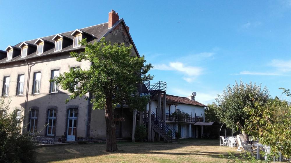 Alquileres de vacaciones Pontgibaud - Cabaña - 50 personas - BBQ - Foto N° 1