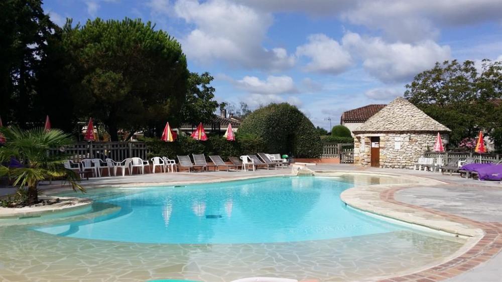 notre piscine chauffée avec solarium