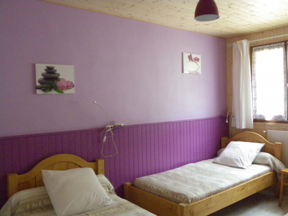 Chambre avec 3 lits en 90