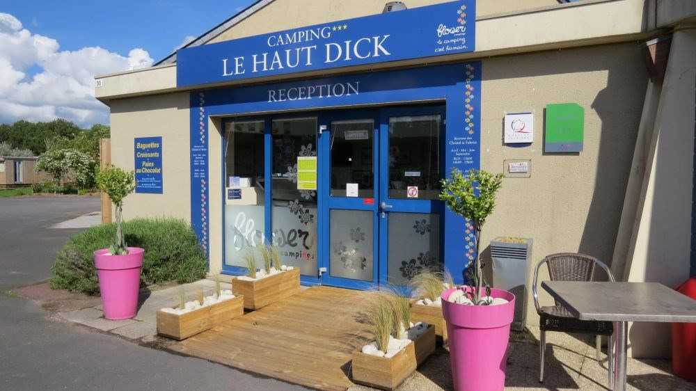 Flower Camping Le Haut Dick, 74 emplacements, 26 locatifs