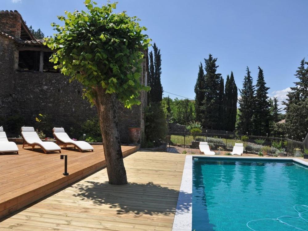 Mas La Geste, piscine privée, terrasse couverte et jardin en espalier