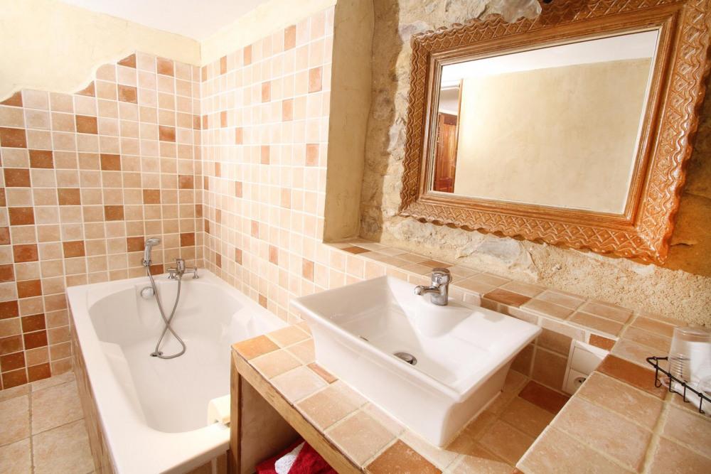 Salle de bains de la chambre La Caprine