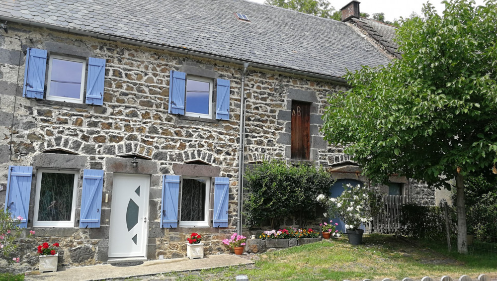 Holiday rentals Saint-Pierre-Roche - Cottage - 4 persons - BBQ - Photo N° 1