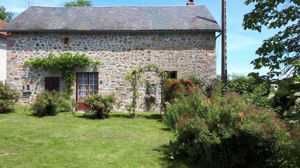 Location vacances Planchez -  Maison - 5 personnes - Barbecue - Photo N° 1
