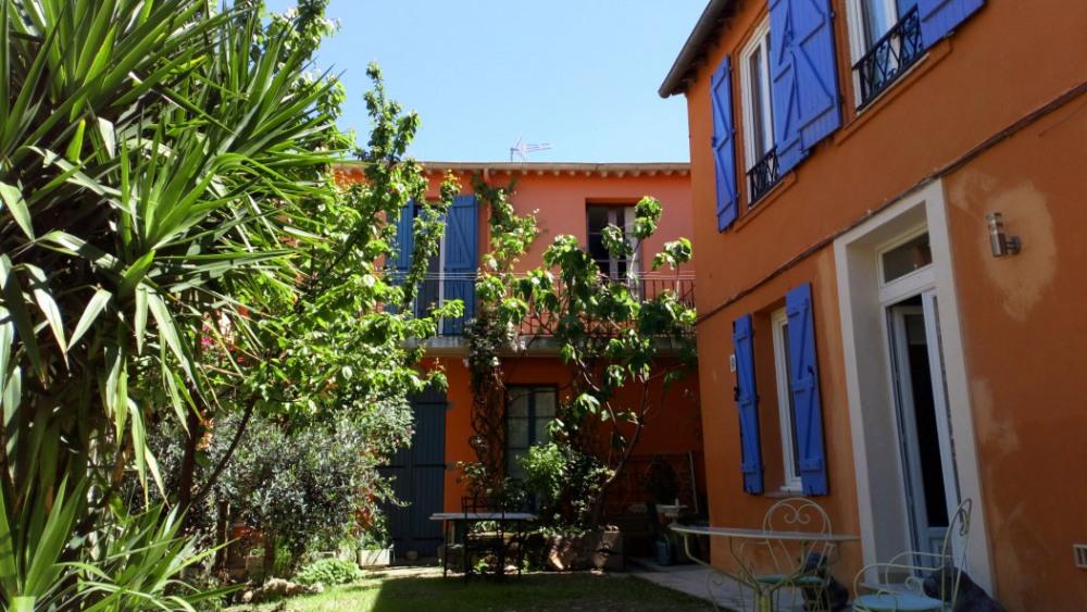 Location vacances Béziers -  Maison - 6 personnes - Salon de jardin - Photo N° 1