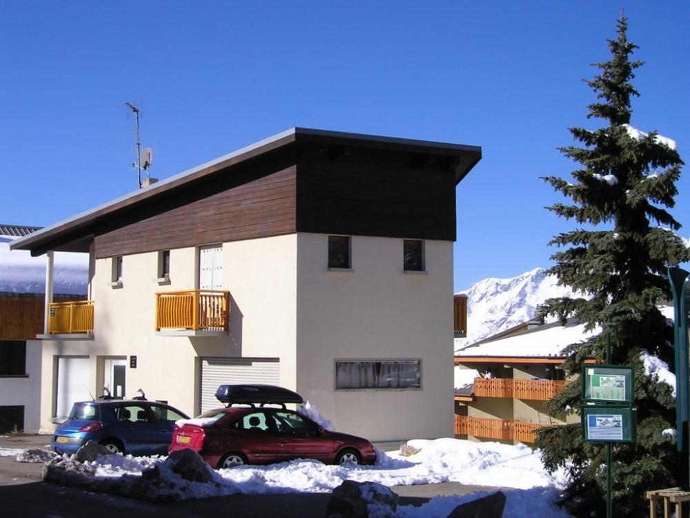 immeuble avec 6 places de parking