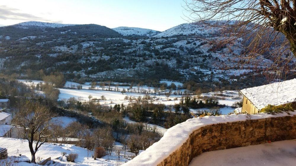 Location vacances Coursegoules -  Gite - 6 personnes - Jardin - Photo N° 1