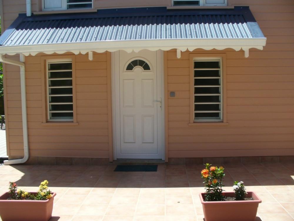 entrée principale du bungalow