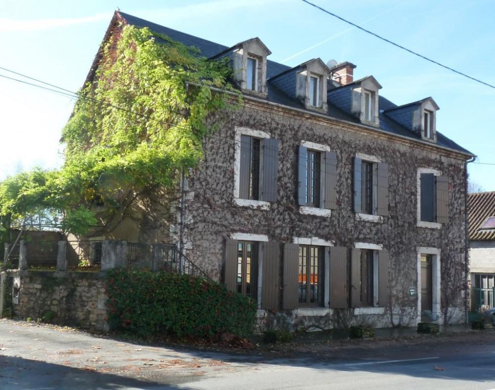maison coté entrée sur av. J. Jaurès