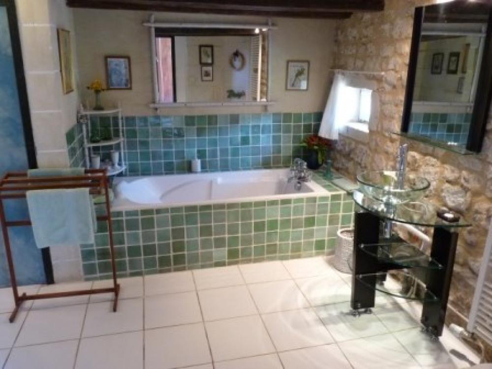 salle de bain de la chambre double