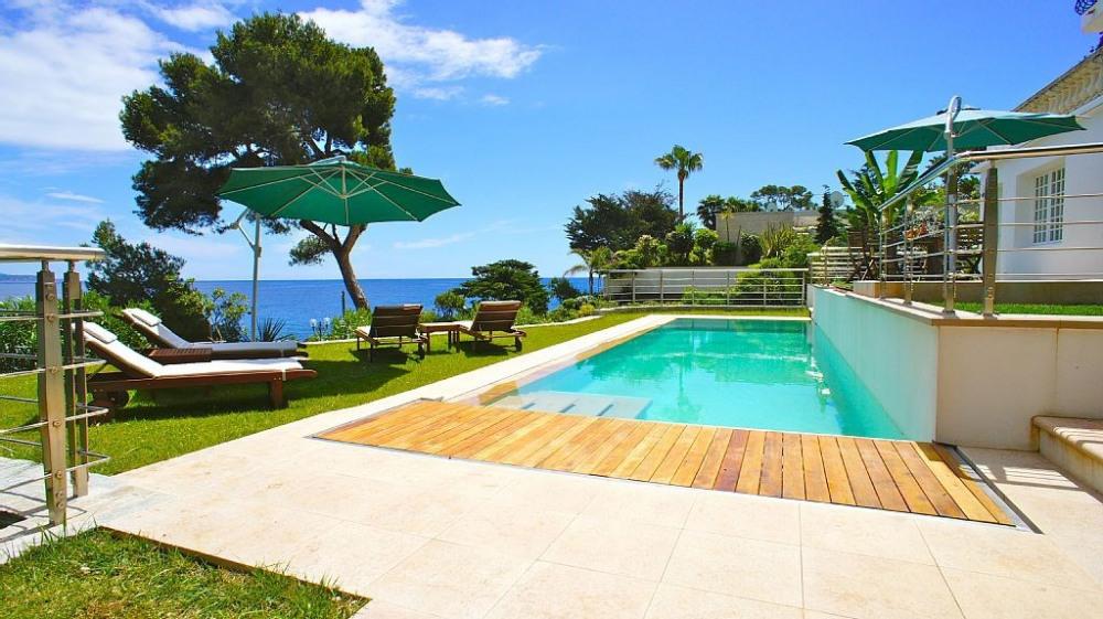 Villa pieds dans l'eaux à 5 km de Monaco (avec piscine et jacuzzi)