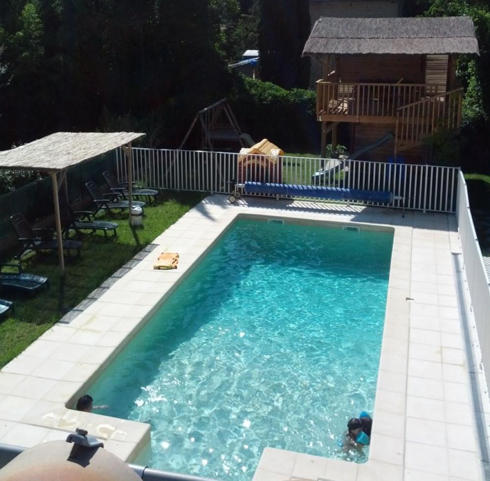 la piscine est toujours chaude !