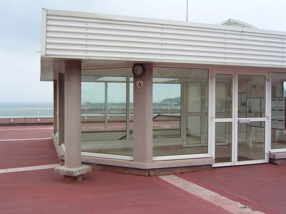 accès de l'esplanade bât A