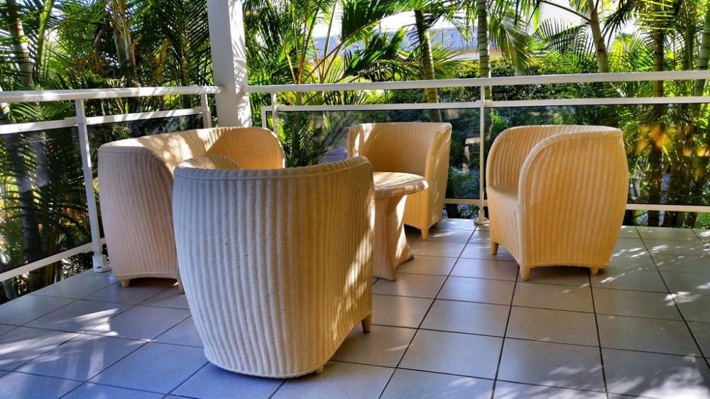 Maison de charme au cœur d'un joli jardin tropical à 5 mn de la plage en voiture,