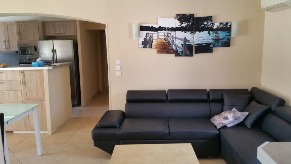 canapé relax dans les deux salons avec lit d'appoint