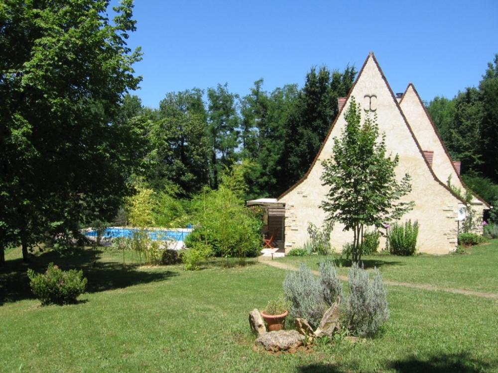 Vue du parking du gîte''Dordogne''