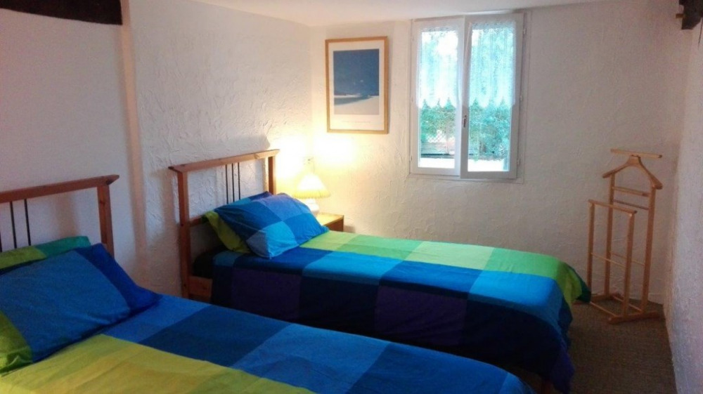 Chambre 2 lits petit gîte