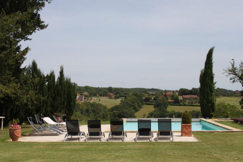 piscine avec belle vue