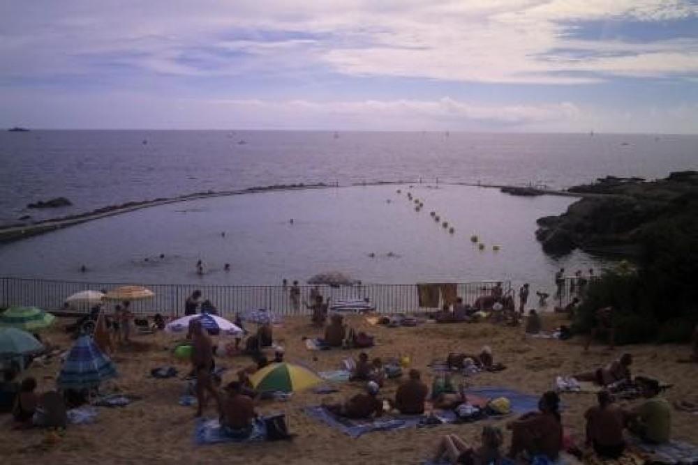 Petite plage à proximité