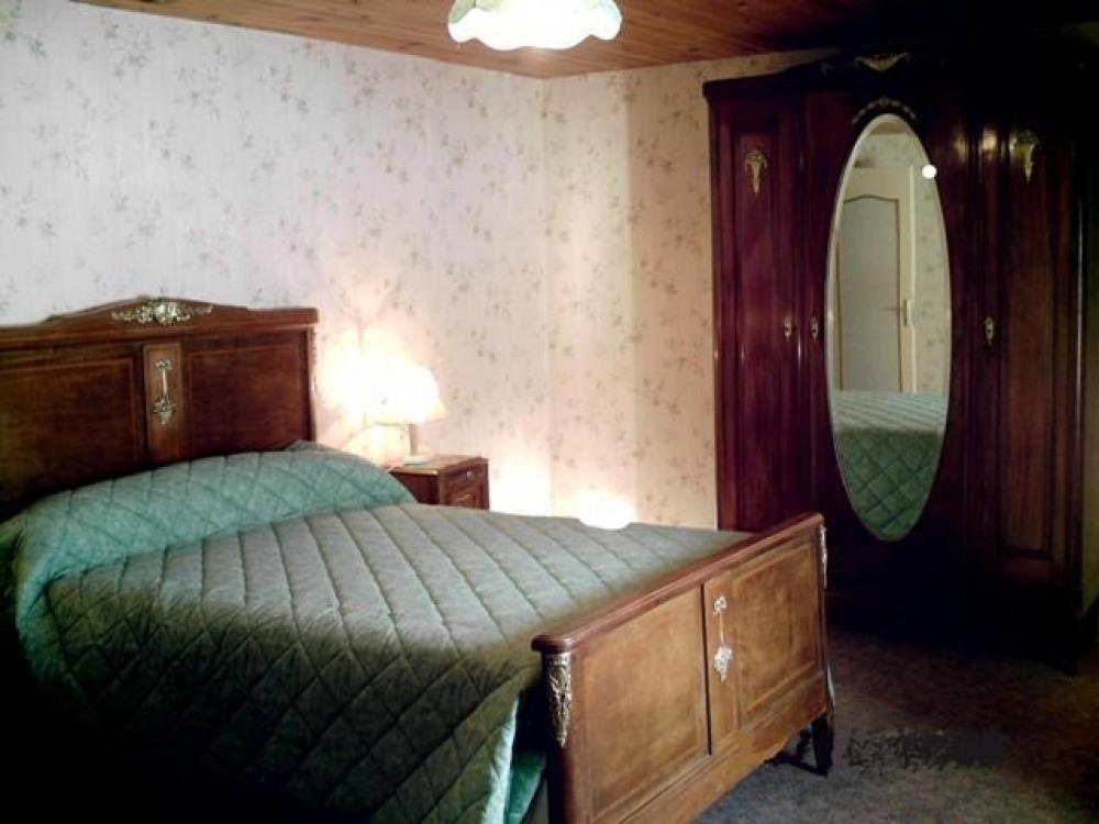chambre lit 140 cm gite 6 personnes