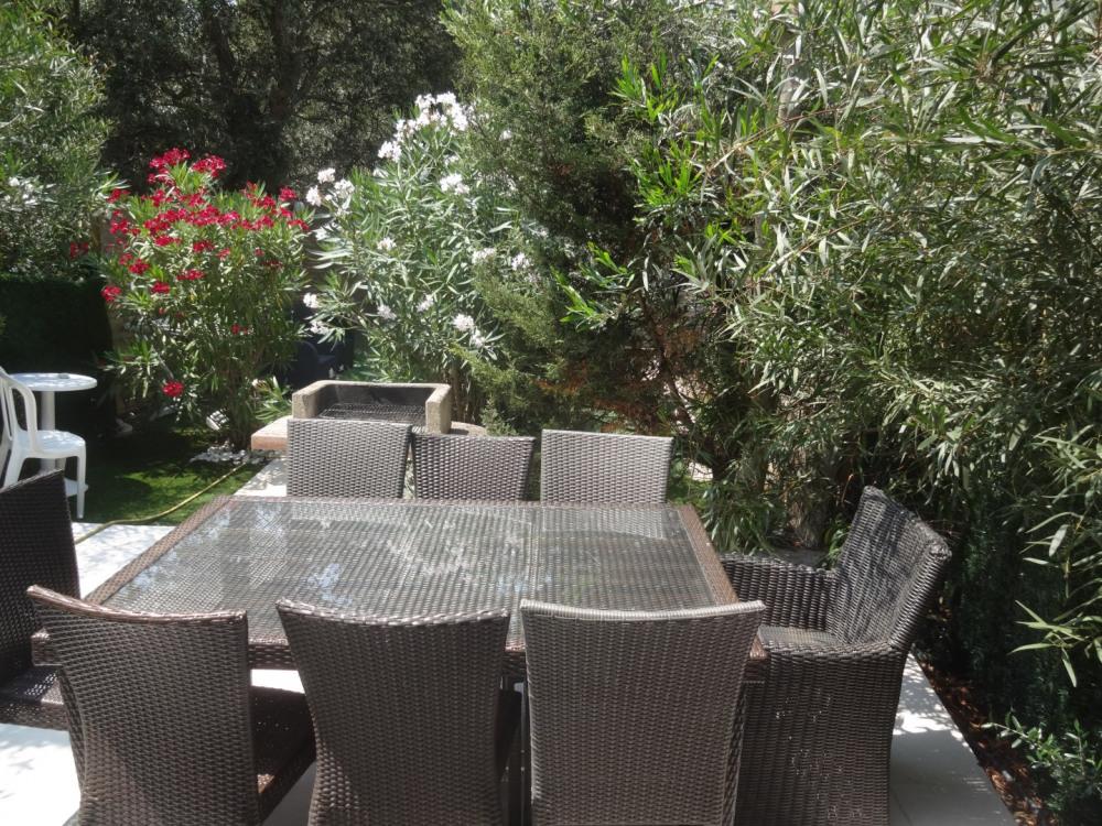 terrasse avec espace jardinet