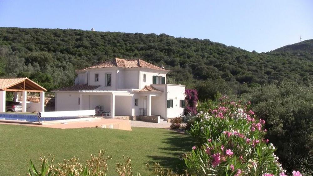 Superbe villa paisible avec piscine