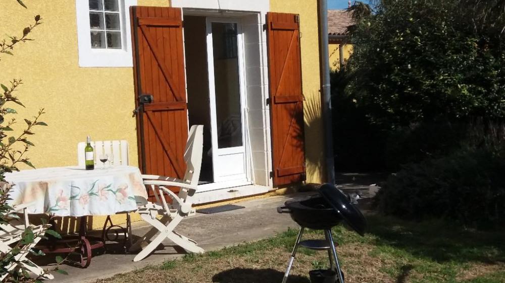 Location vacances Servian -  Maison - 4 personnes - Barbecue - Photo N° 1