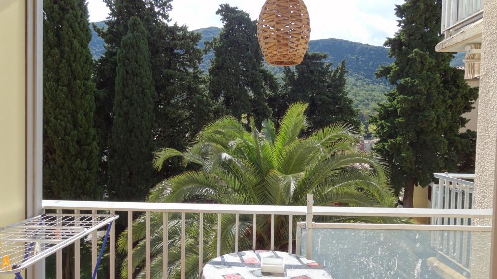 Location vacances Amélie-les-Bains-Palalda -  Appartement - 3 personnes - Chaise longue - Photo N° 1
