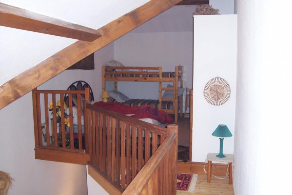 Mezzanine avec 1 lit double et 1 lit simple