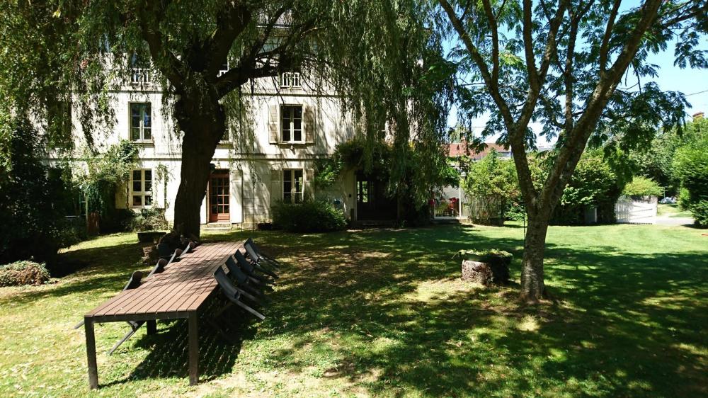Le Moulin de Charreau, mill with 6 bedrooms, canoe - Villeloin Coulangé