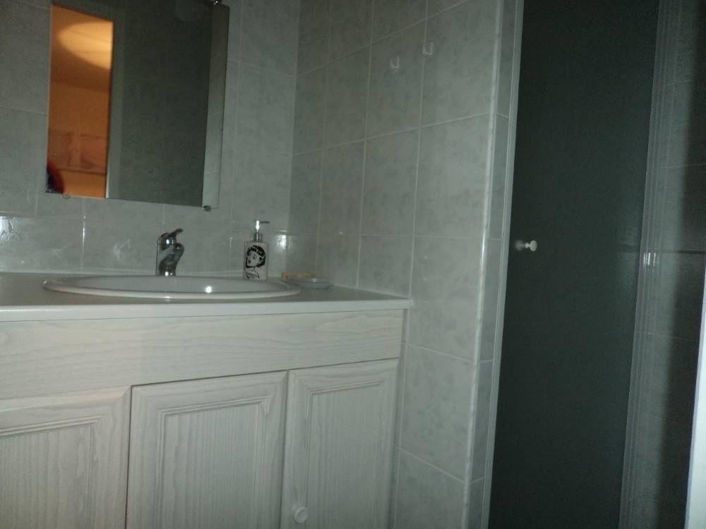 salle d'eau de la chambre 2