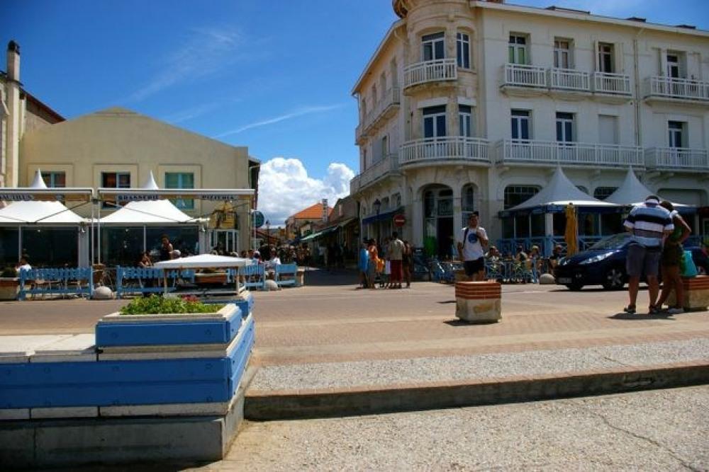 l'entrée de la plage en venant du centre de SOULAC