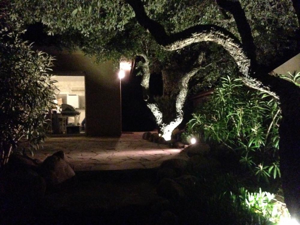 toutes mes locations sont équipées d'un éclairage terrasse et jardin