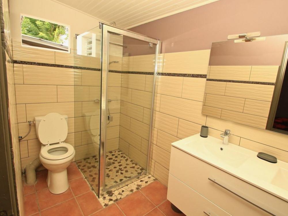 salle de bain de la chambre n°2